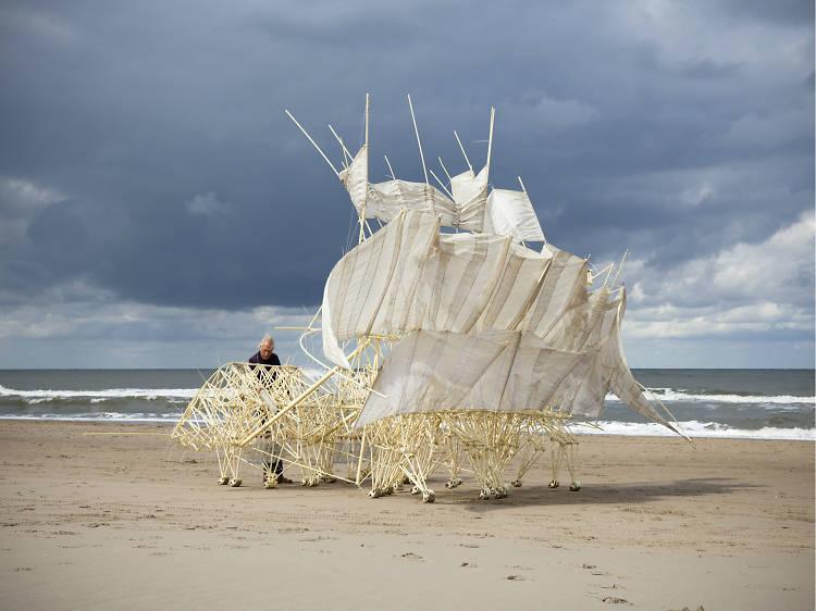 Theo Jansen. Asombrosas criaturas (Laboratorio de Arte Alameda)