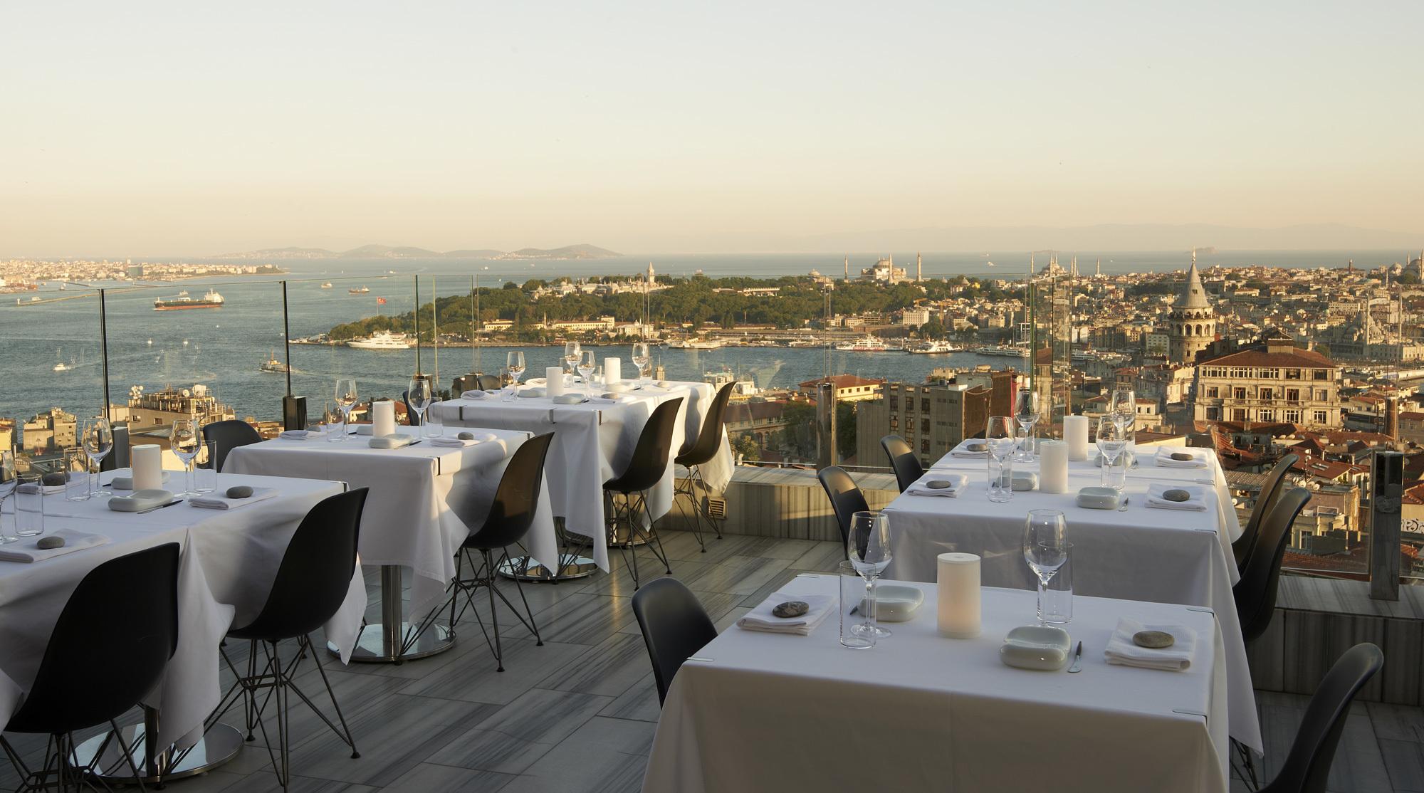 Mikla Restaurant'ın Terası