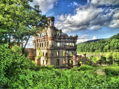 You can visit this majestic abandoned castle along the Hudson River