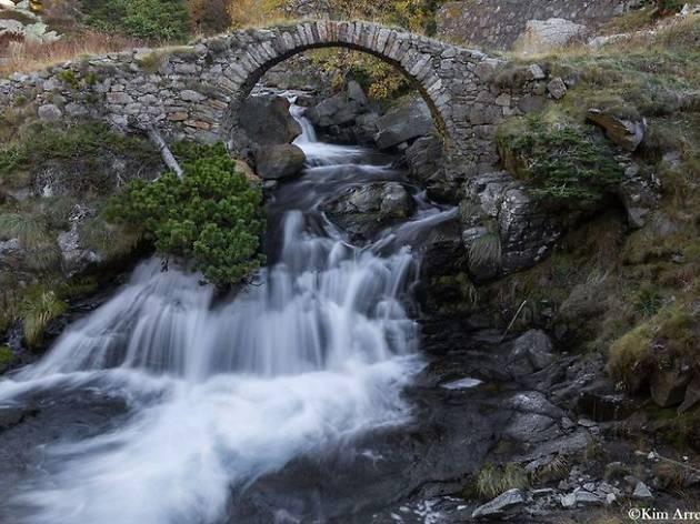 Salts d'aigua de la Vall de Núria