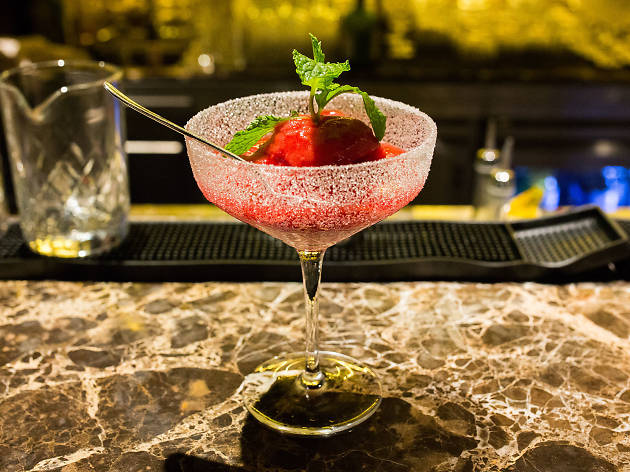 Best cocktail bars in Charoenkrung