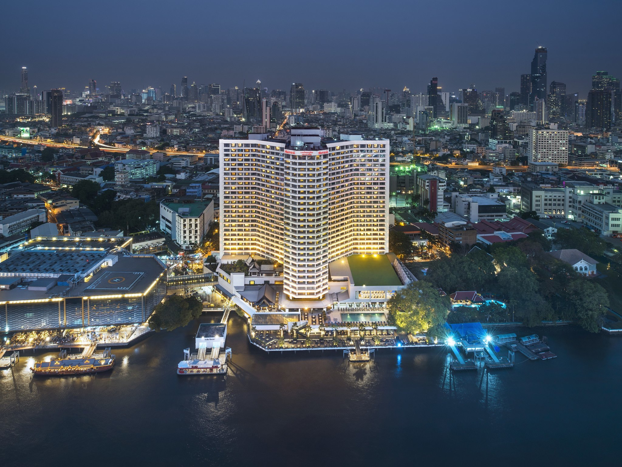 Royal Orchid Sheraton Hotel and Towers