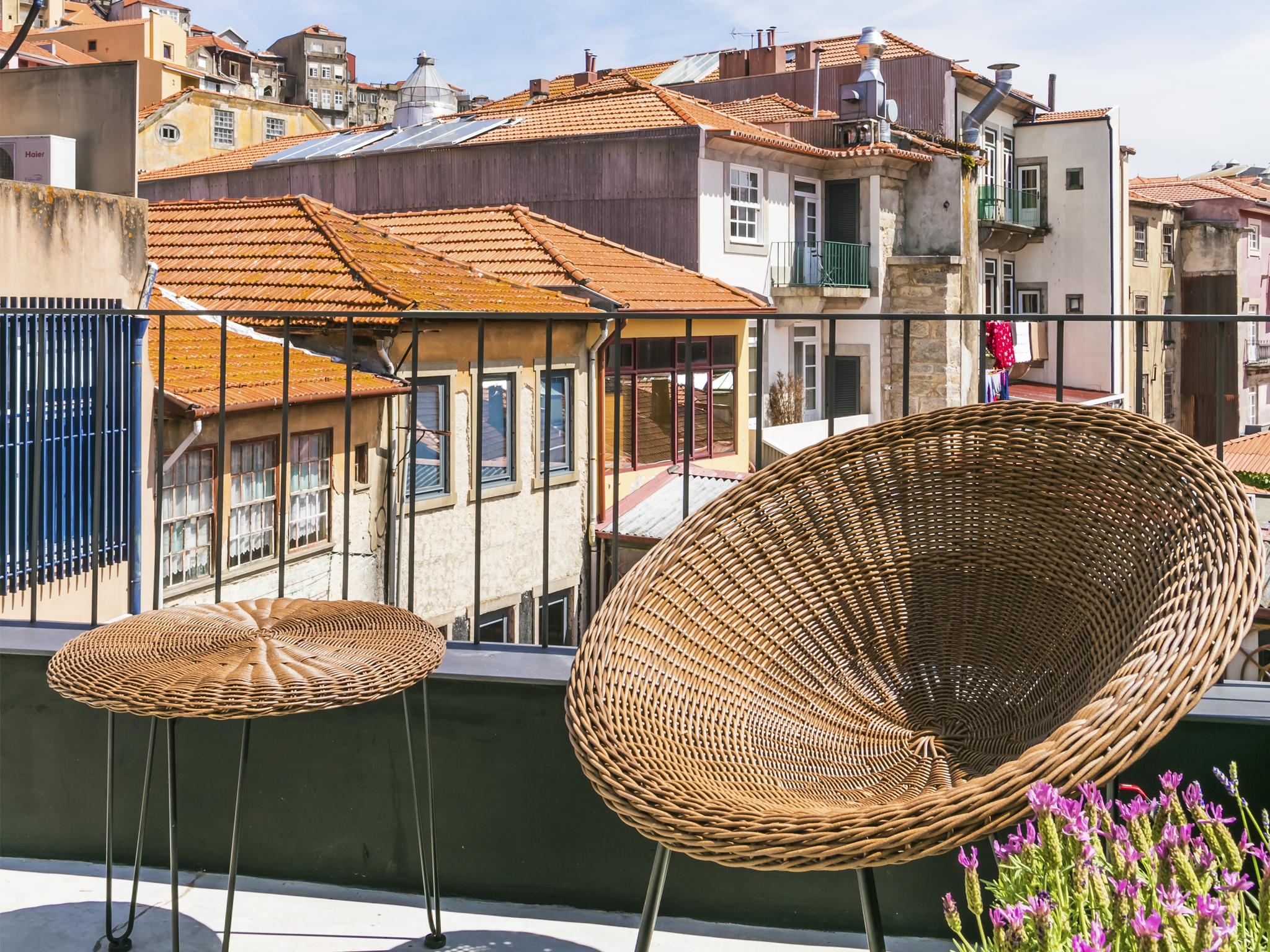 Armazém Luxury Housing – Porto, 315 km