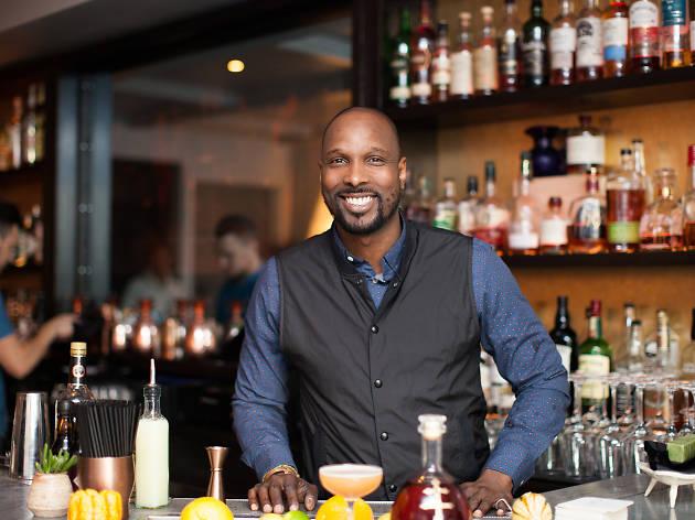 Cyllan Hicks, Head bartender, Midnights
