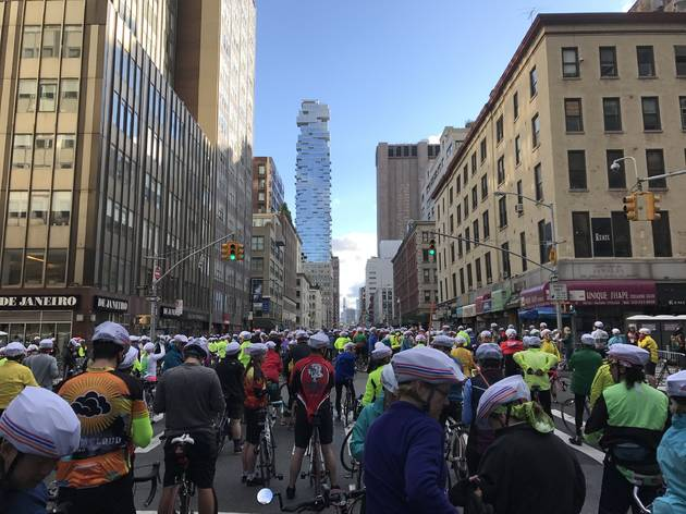Here's what it's like to bike across all five NYC boroughs in a single day