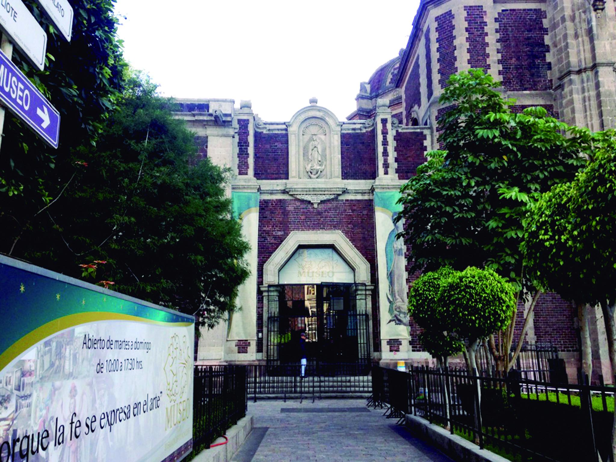 foto de la entrada al Museo de la Basilica de Guadalupe