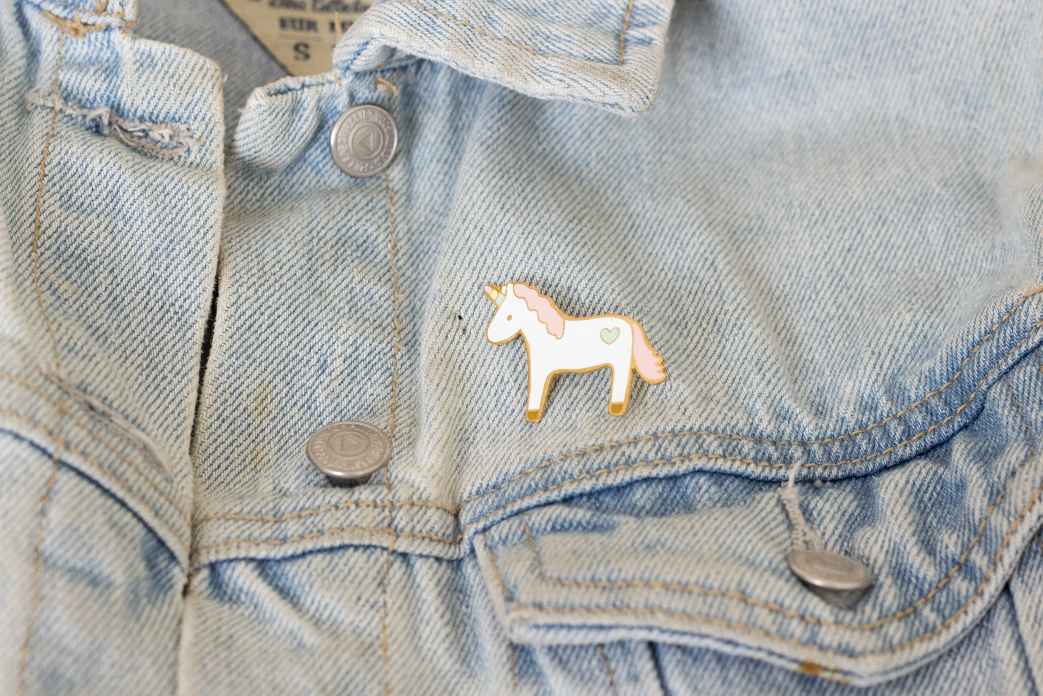 5 pines que necesitas en tu outfit