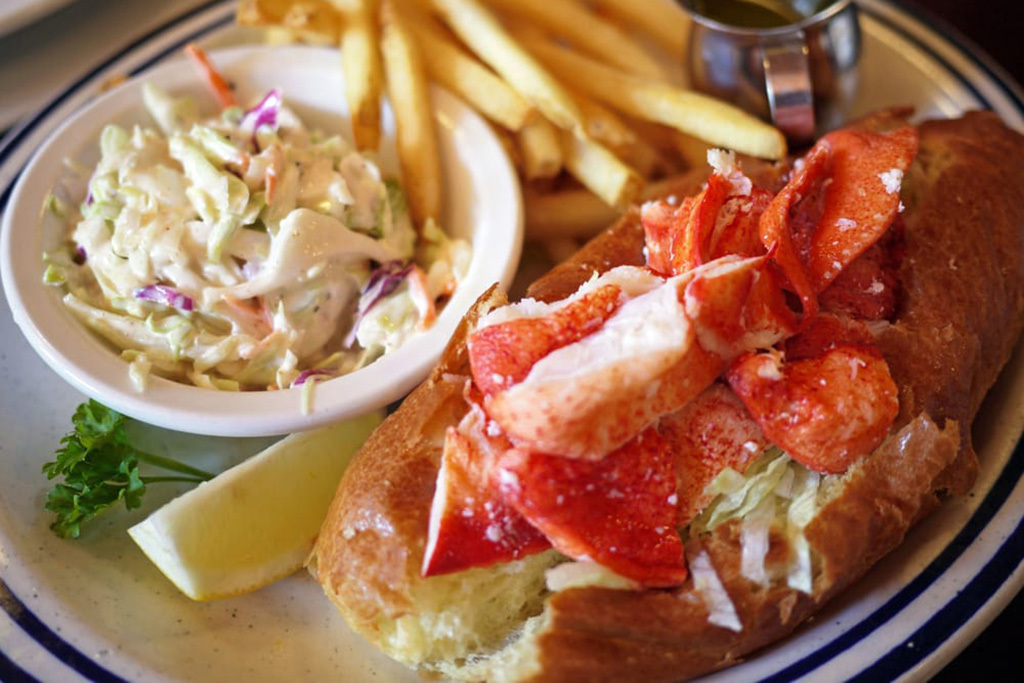 lobster roll at Billy's Boston Chowder House