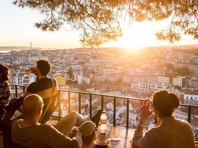 Top 10 things to do around Graça and Castelo