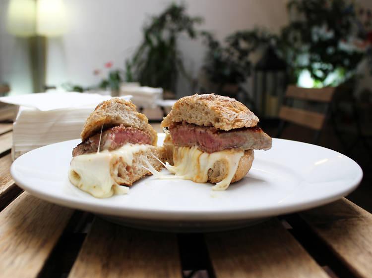 Os melhores pregos em pão no Porto