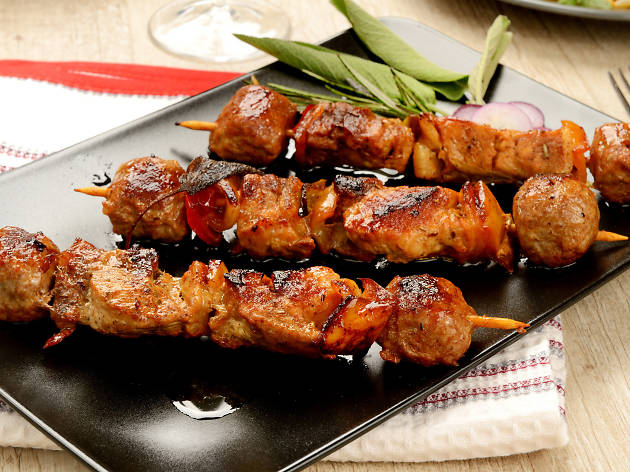 Barbecue, Chicken, Cooked, Cooking, Dieting, Dinner, Dishware, Domestic Kitchen, Eating, Food, Food And Drink, Gourmet, Green, Grilled, Healthy Lifestyle, Isolated, Kebab, Macro, Marinated, Meal, Meat, Onion, Party, Pepper, Plate, Red, Refreshment, Satay