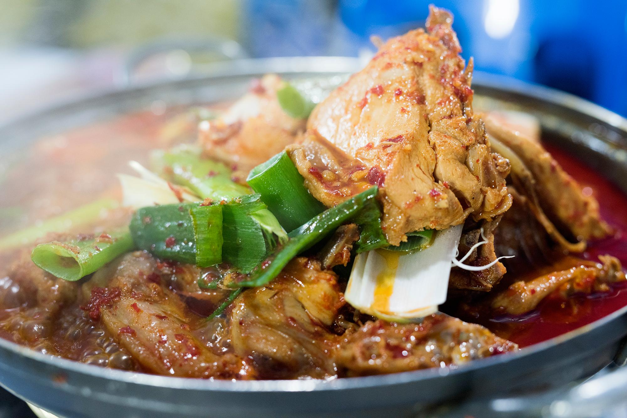 입맛 제대로 살리는 칼칼한 닭볶음탕 맛집 4