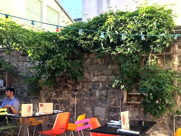 au fond du jardin bars and pubs time out paris. Black Bedroom Furniture Sets. Home Design Ideas