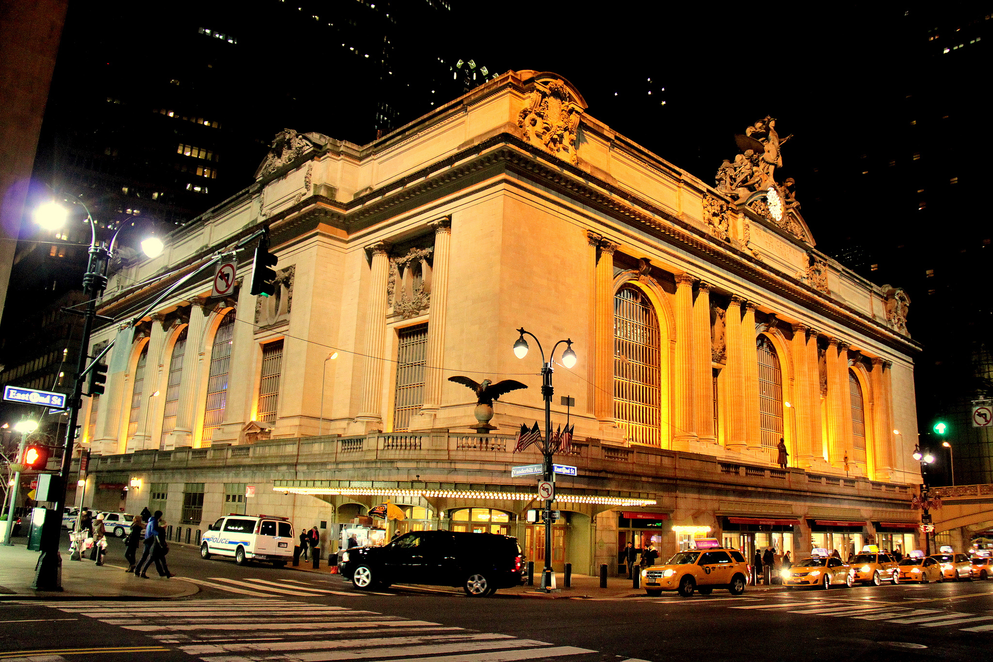 Amtrak trains may start running out of Grand Central this summer