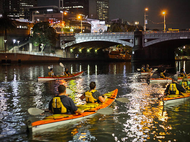 Kayak Melbourne Moonlight Kayak Tours