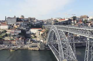 vista geral porto com ponte