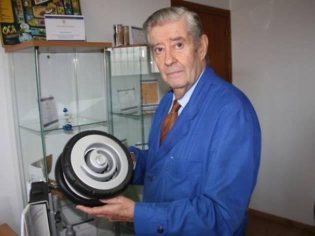 73 invents i un sol home: Josep Argelaguet