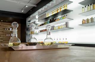 Individual: Cabinet de Parfums
