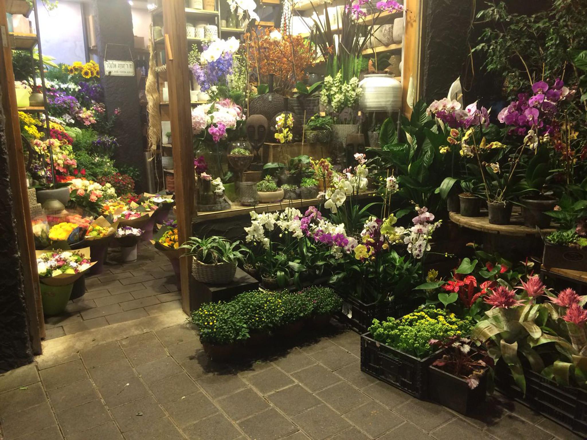 Hella Flowers