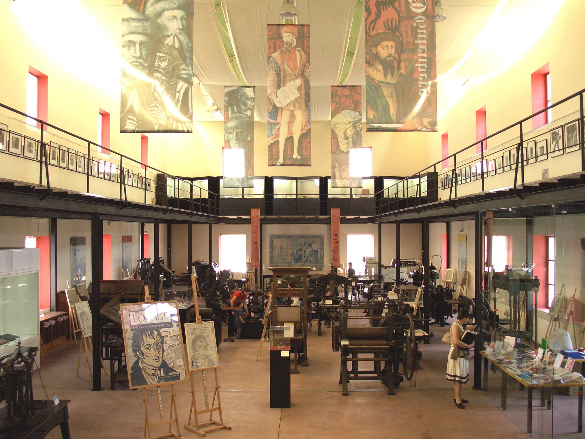 Museu Nacional da Imprensa tem três novas exposições sobre o 25 de Abril