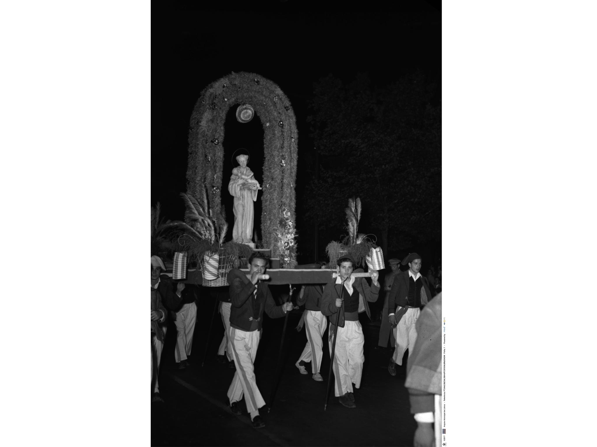 Desfile das marchas populares, andor de Santo António