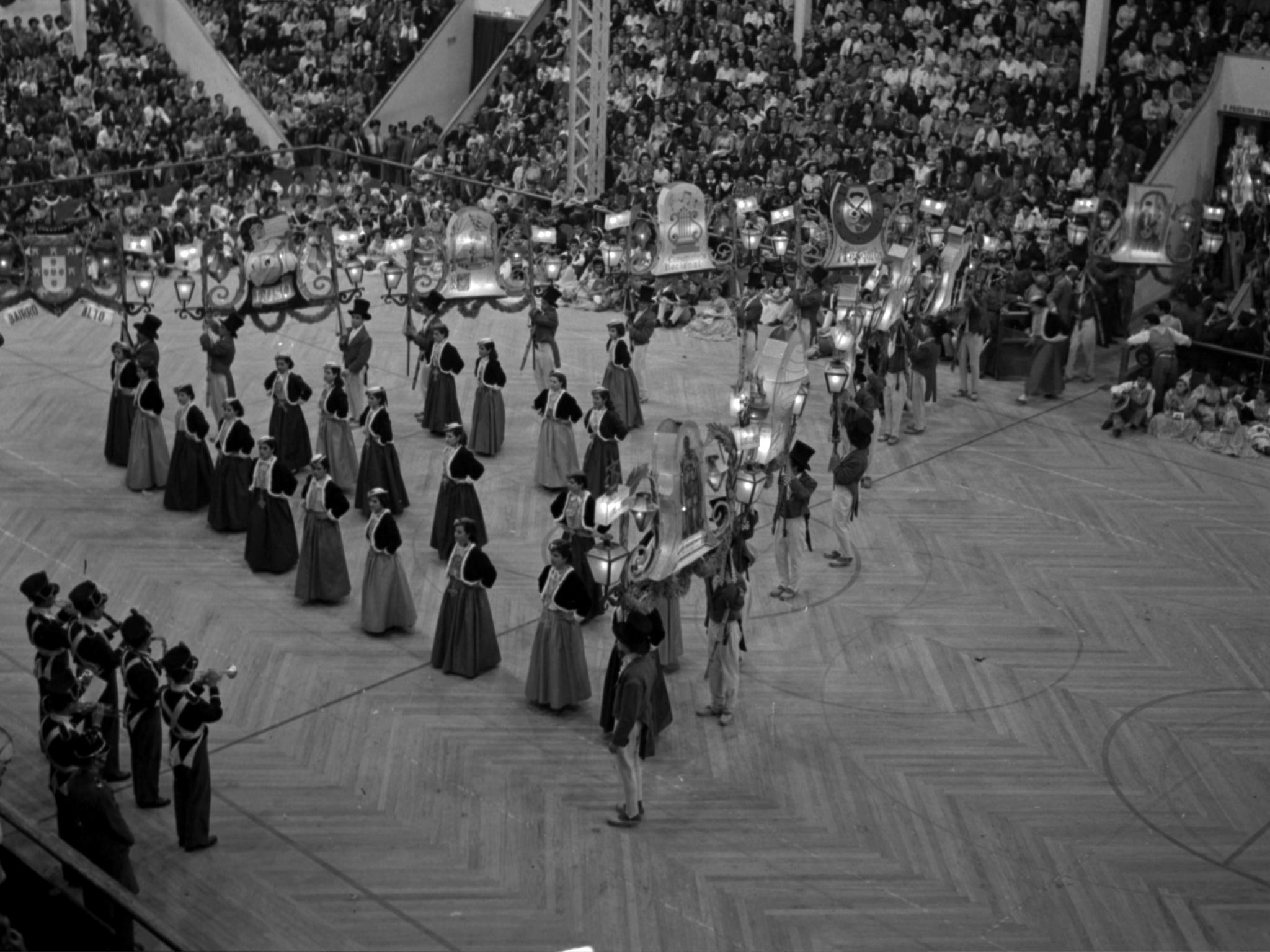 Desfile das marchas populares, marcha do Bairro Alto, no Pavilhão dos Desportos, 1955-06