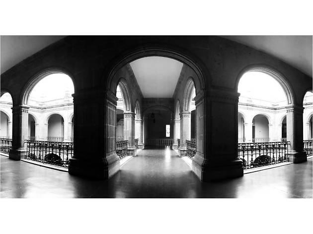 Los pasillos del Antiguo Colegio de San Ildelfonso
