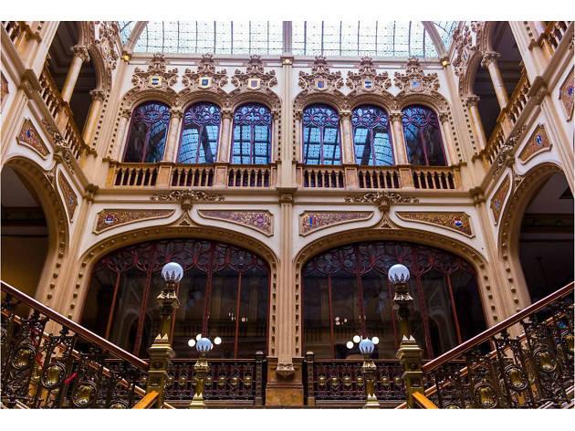 El Antiguo Palacio de Correos en el Mes de Los Museos