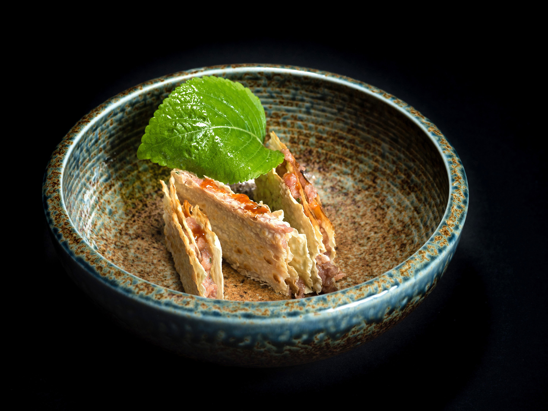 Mille-feuilles tuna tartar