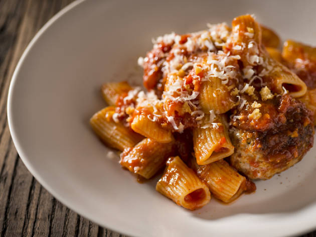 Rigatoni with meatballs and smoked chilli tomato sauce