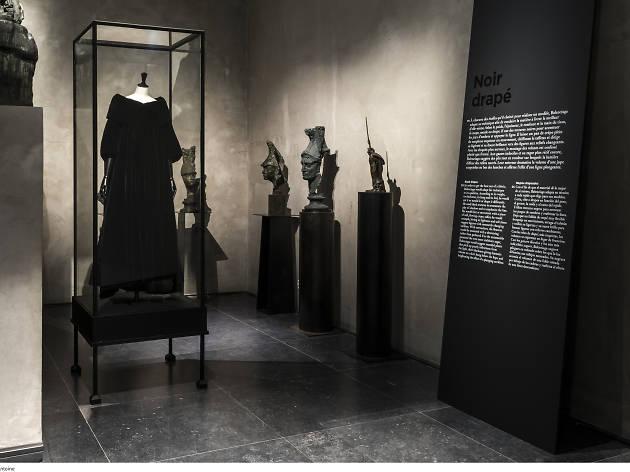 Balenciaga, L'oeuvre au noir / Balenciaga, working in black