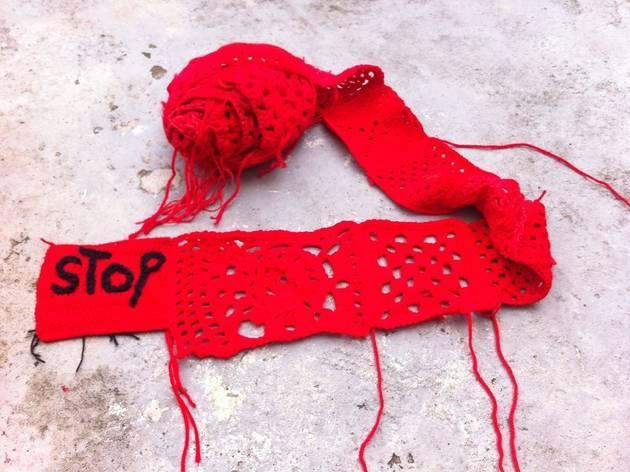 Dia Mundial de Tricotar em Público: Guerrilha Crochet na Linha Vermelha por um Planeta Verde