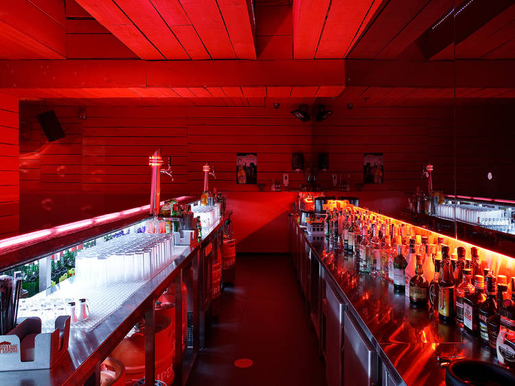 Best places to go dancing in Porto