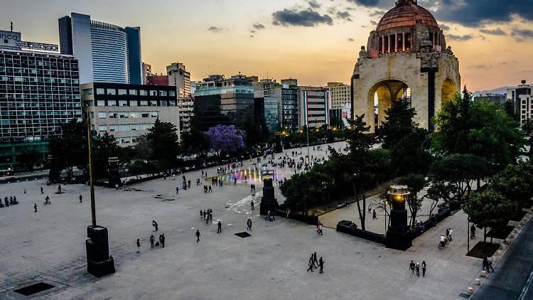 El Monumento a la Revolución en la Tabacalera