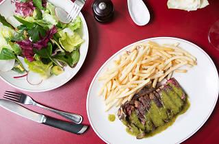 Steak frites at Ananas