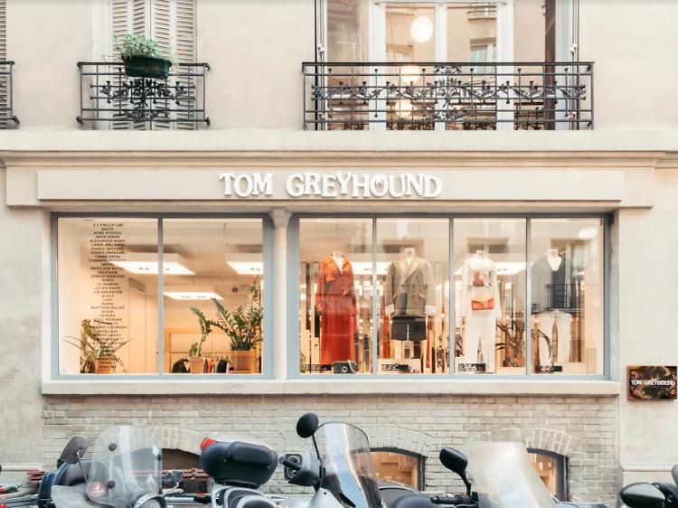 Offrir le top du top de la mode féminine chez Tom Greyhound