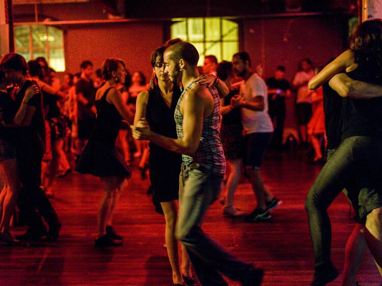 As danças brasileiras para entrar no ritmo