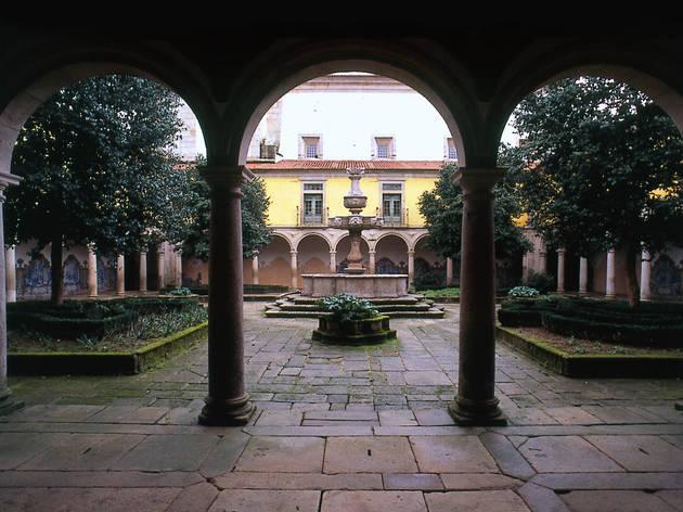 Mosteiro de Tibães - Claustro