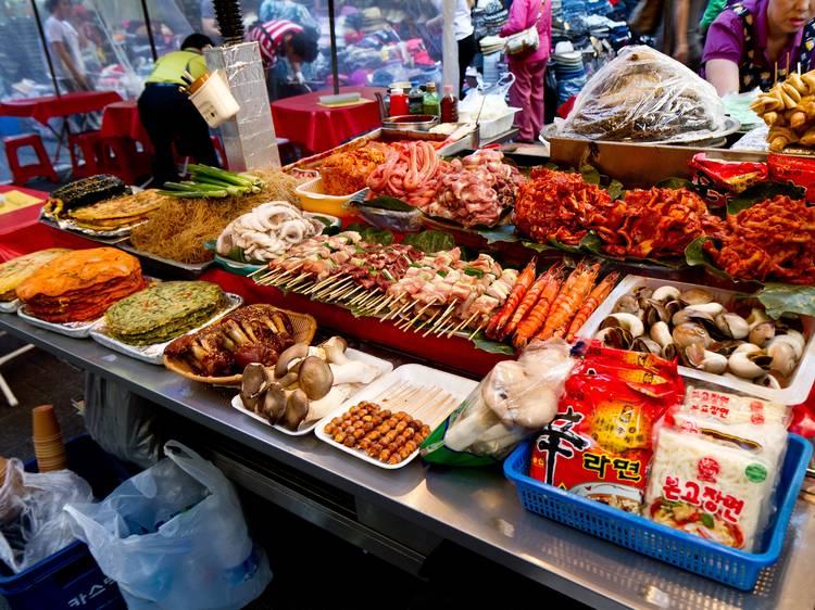 12:00~14:00 ▶ 통인시장 구경하고 길거리 음식 먹기