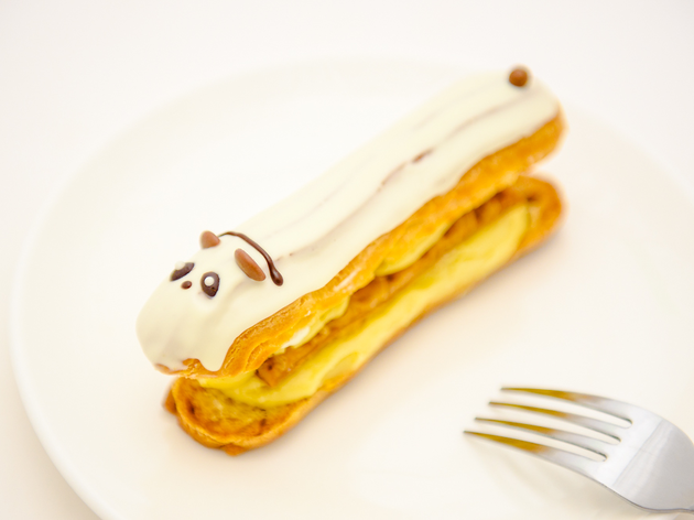Panda éclairs and cookies