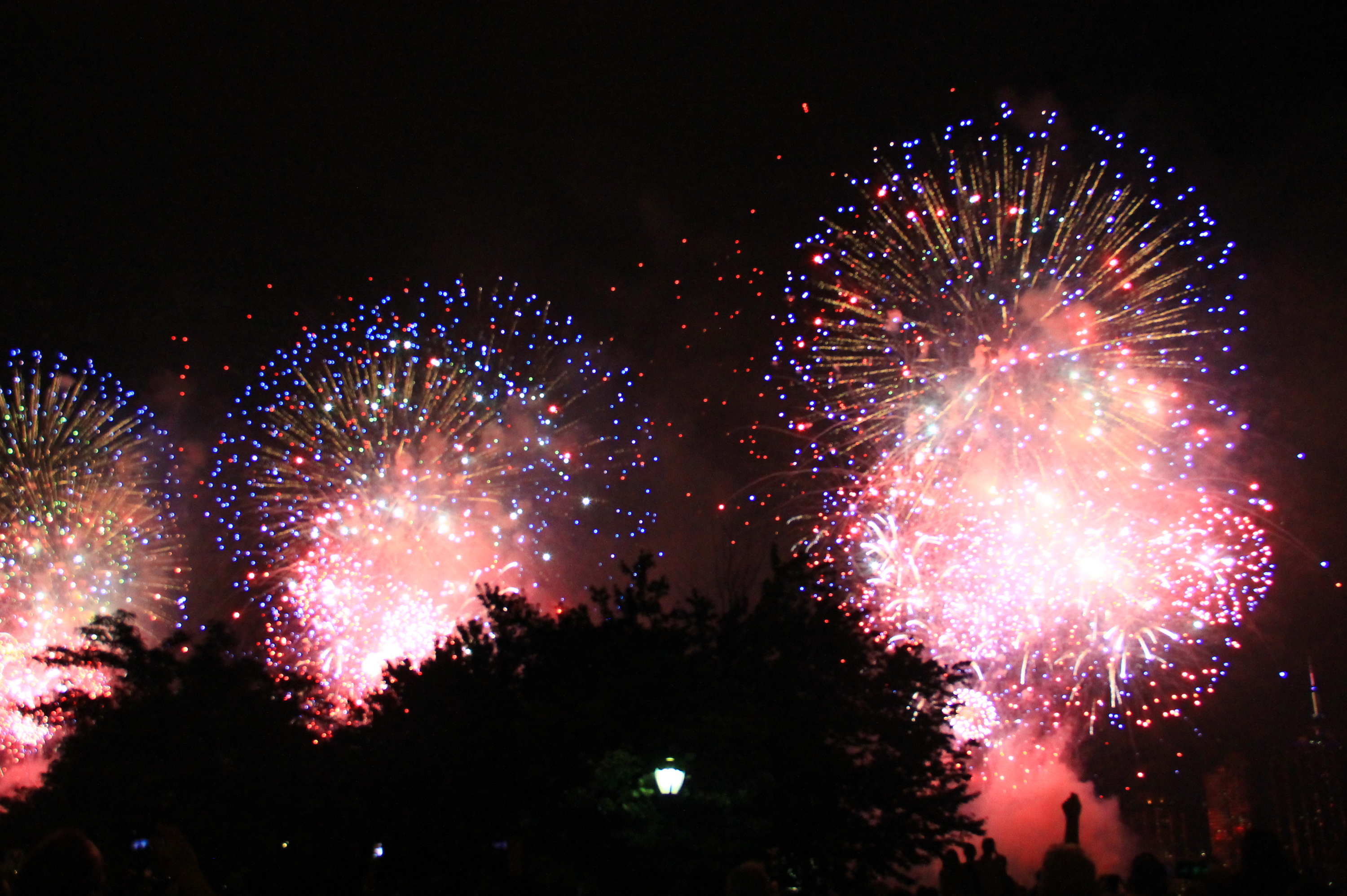 watch 2017 u0027s 4th of july fireworks in nyc at parks and rooftops