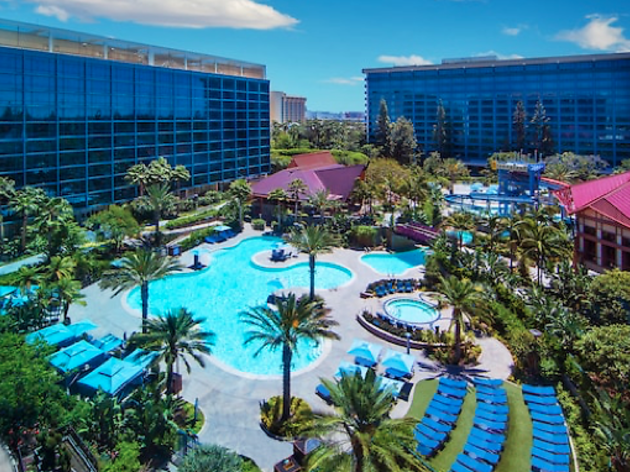 Book Your Stay At One Of Anaheim S Top Getaways From Luxurious Resorts To Budget Friendly Hotels