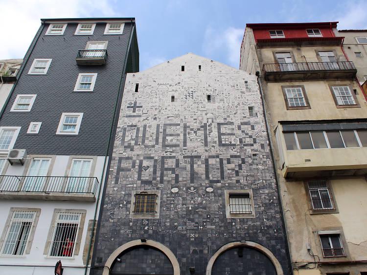 Há um painel do Porto com três mil azulejos