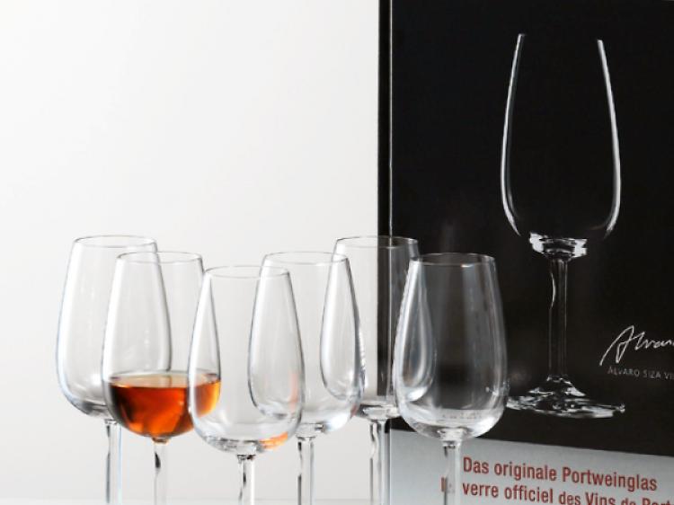 Há um copo oficial do vinho do Porto