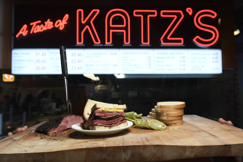 The 10 best tourist-trap restaurants in NYC