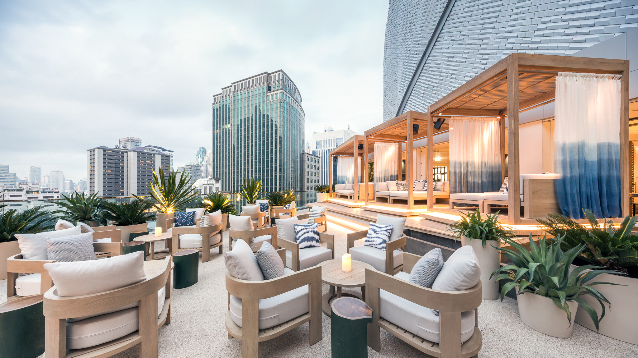 The alfreco terrace, Siwilai City Club at Central Embassy