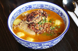 Hem 27 Soft Shell Crab noodle soup