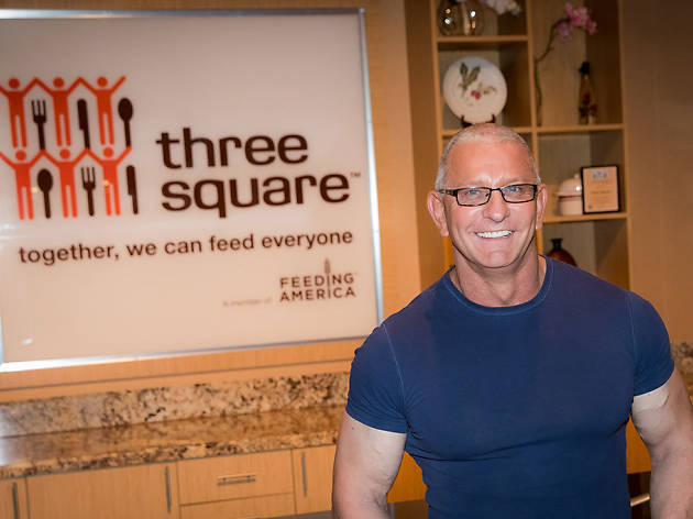 Summer cookout with Robert Irvine and friends