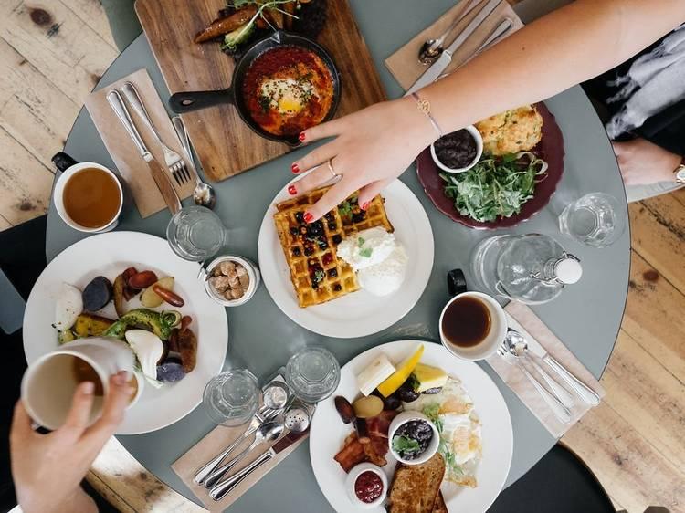 08:00~10:00 ▶ 더 베이커스 테이블에서 독일식 브런치 먹기