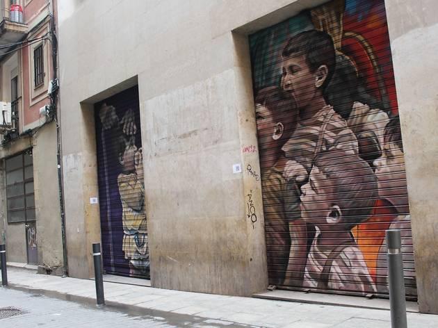 Les persianes del Raval, convertides en obres d'art urbà! [FOTOS]